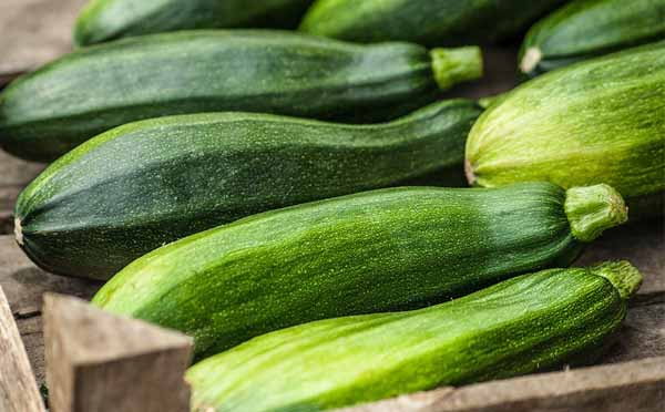 21 Amazing Health Benefits of Zucchini