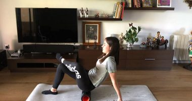 Glute and hamstring foam rolling
